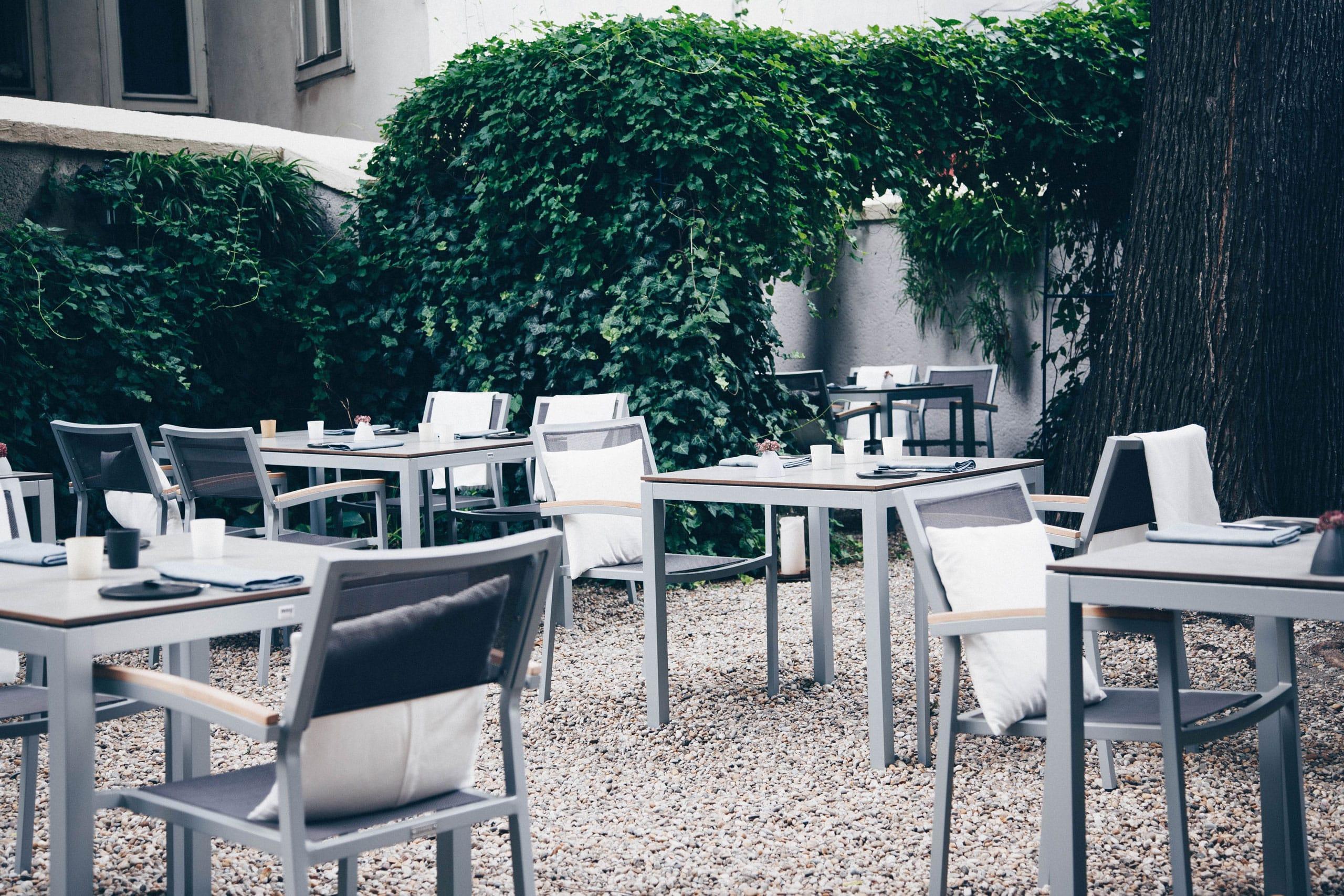 Grace-Restaurant-Branding-LKA-W-2560-07